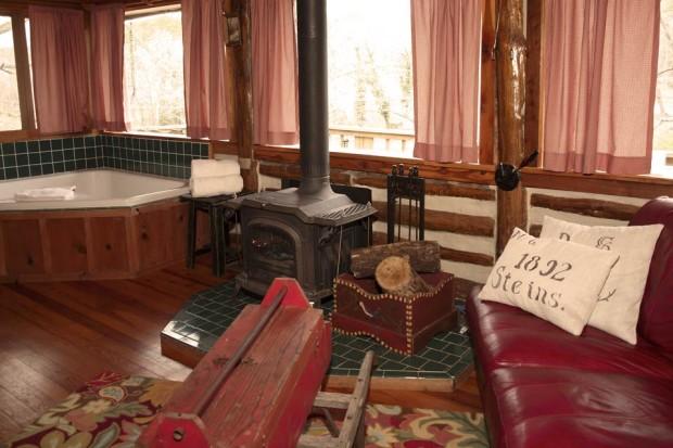 Main-Cabin2