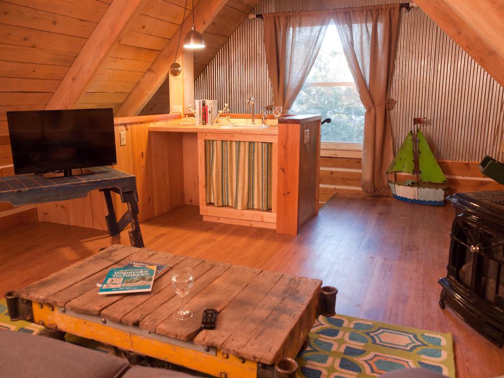 Eureka Springs Lakeview Cabin