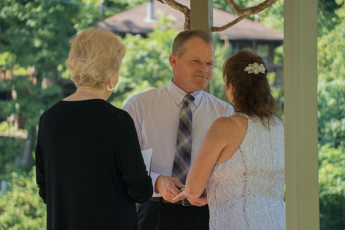 Wedding Couple Lake Lucerne Resort and Ranch in Eureka Springs